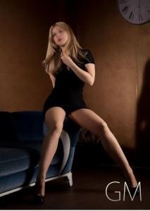 Janina (27) von Goldmmber Escorts über die 5 größten Sex Lügen der Frau